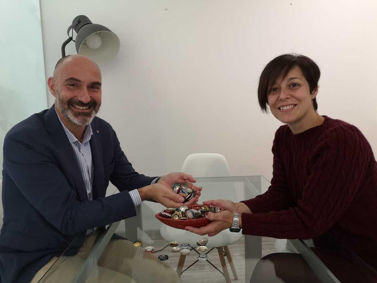Eduard Sanfeliu, president de la Confraria del Cava i Eva Vicens, directora dels Premis Vinari