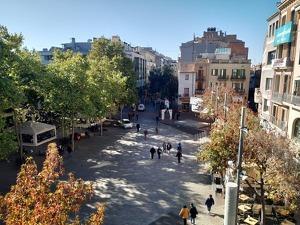 Des d'aquí es podran seguir els castellers a la Plaça Vella de Terrassa mentre es fa un tast de vermuts premiats