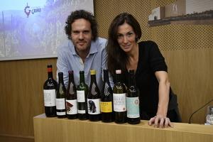 René Barbier i Sara Pérez amb els vins del tast