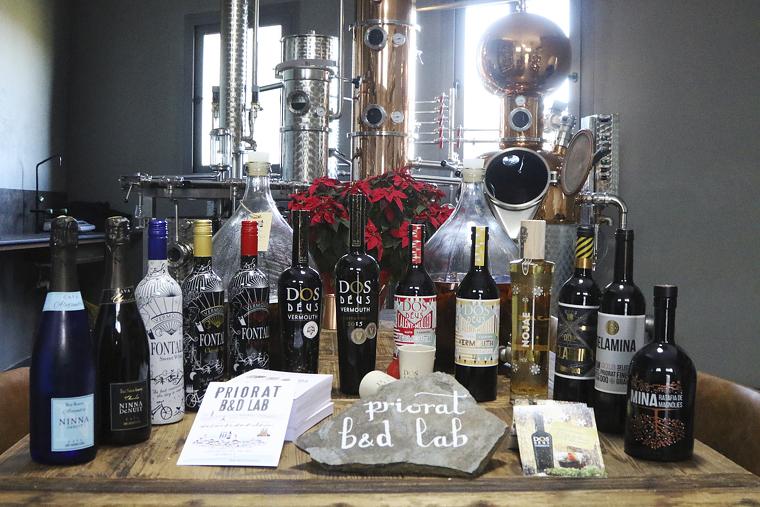 Priorat Lab elabora diverses referències de vermut i destil·lats