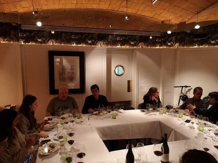 Tomàs Cusiné durant la presentació a un restaurant a Barcelona