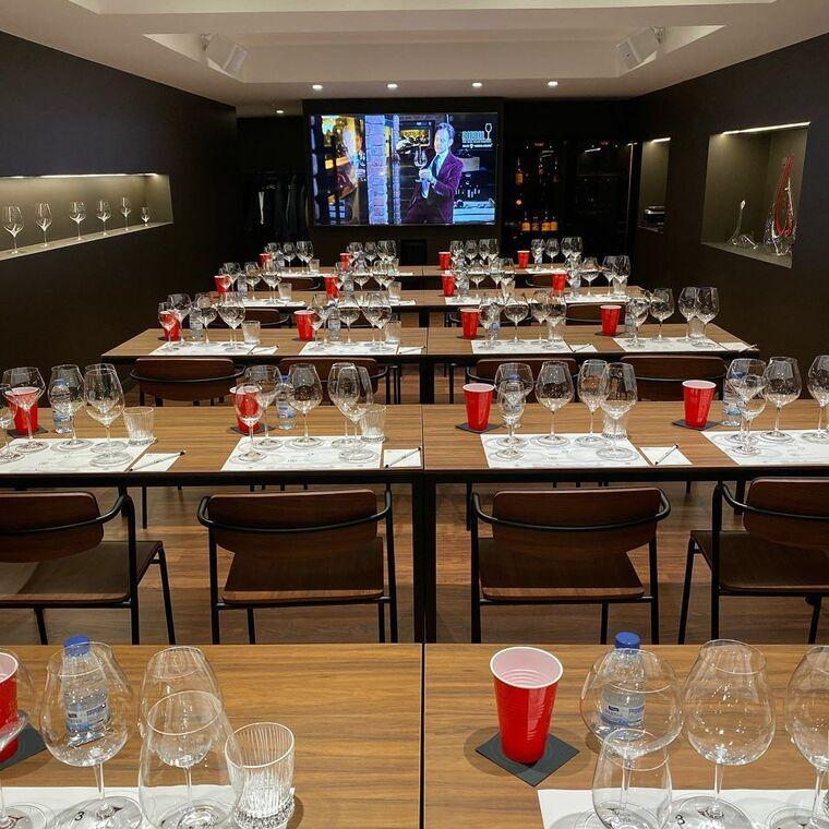Wito Barcelona compta amb una sala de tast oberta a tots els cellers del món