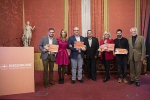 Fotografia de família de la primera edició dels Barcelona Rosé International Bubbles Awards