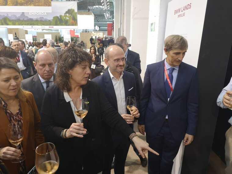 La consellera d'Agricultura, Terea Jordà i el president de la BWW, Javier Pagès han estat els encarregats d'inaugurar la fira