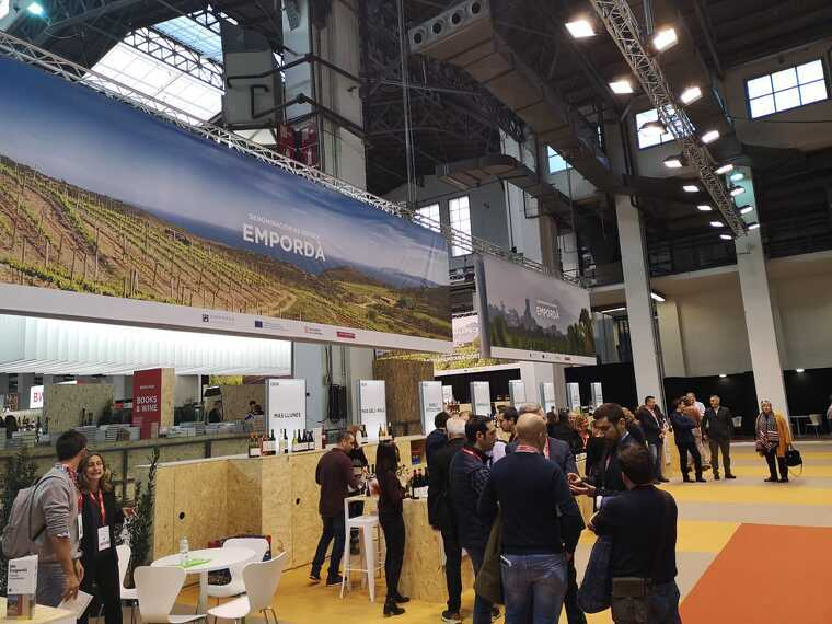 La major part de la superfície està ocupada per vins englobats en territoris ja siguins denominacions d'origen o no