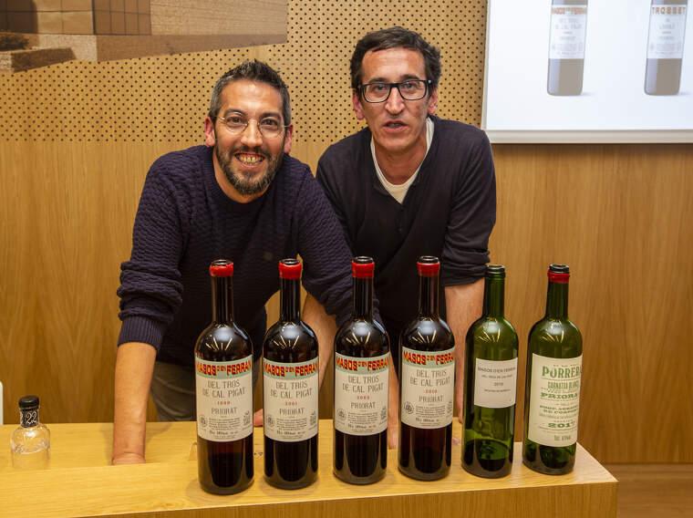 Marc i Adrià Pérez van dirigir un tast dels seus vins a Vins i Licos Grau