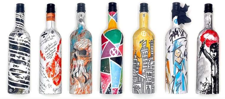 Les ampolles de vi de cartró reciclat que proposa una empresa britànica