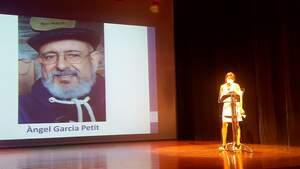 Sol Roig en un moment de la presentació de l'últim treball d'Àngel Garcia Petit