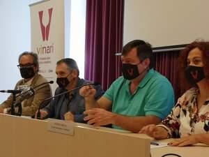 Xavier Agell de l'Incavi, Pere Regull, alcalde de Vilafranca, Salvador Cot, editor de Vadevi i Ester Garcia de l'Escola d'Enoturisme