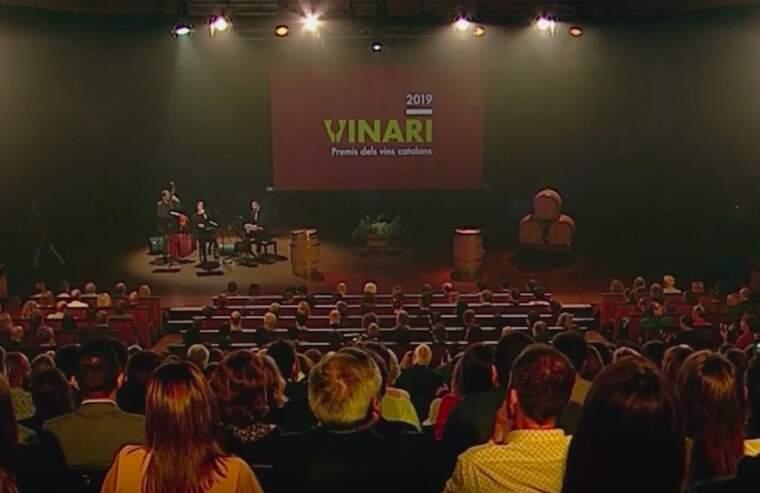 Un instant de la gala de lliurament dels Premis Vinari 2019 que es va poder seguir pel 33