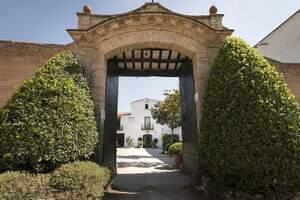 L'entrada de la Finca de Ca n'Estella