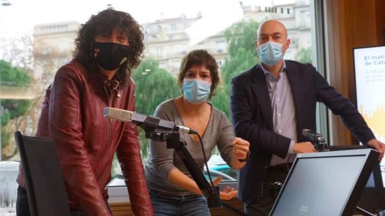 Teresa Jordà, Empar Moliner i Saül Gordillo en la presentació del poadcast Tast Vertical