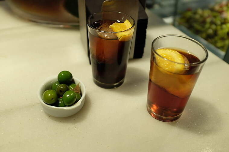 Vermuts i olives