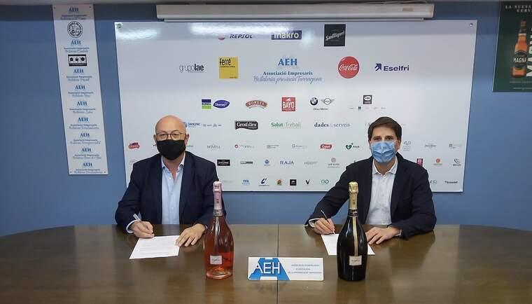 Francesc Pintado, president de l'AEHT i Josep Simó Llop i Canals, director comercial d'On Trade de Catalunya i Llevant de Grup Freixenet