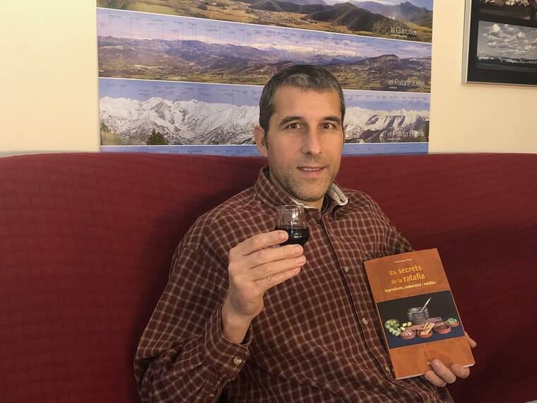 Pep Escudero és l'autor del llibre Els secrets de la ratafia: ingredients, elaboració i ratafies
