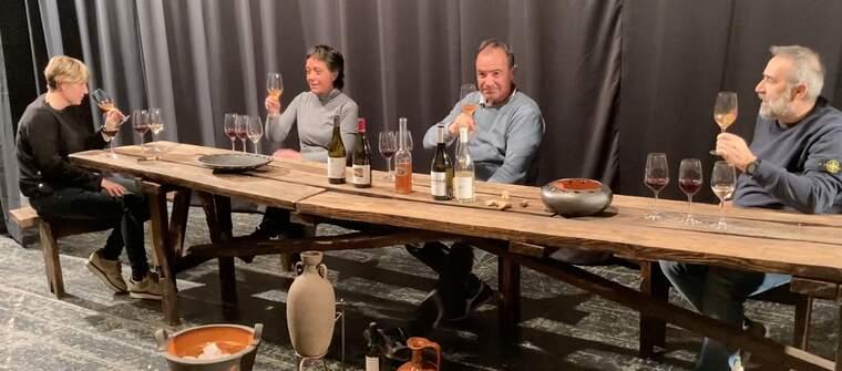 Quatre dels elaboradors de vi de Vilalba dels Arcs