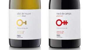 Clot del Roure Xarel·lo Brisat 2018 i el Racó de Camps Pinot Noir 2019.