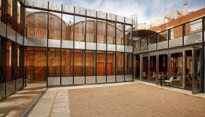 Imatge de l'exterior del Centre d'Art Cal Massó de Reus.