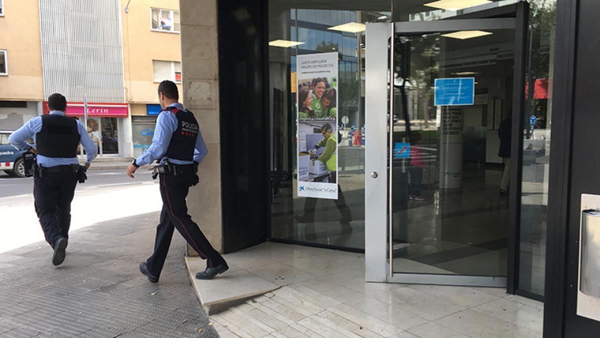 Atraca un banco nada m s salir del juzgado por atracar for Ibercaja valencia oficinas