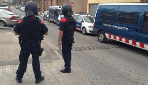 Unitats ARRO dels Mossos d'Esquadra també han participat en l'operatiu d'aquest matí.