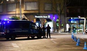 Imatge d'un equip d'ARRO dels Mossos d'Esquadra durant una de les rues de Reus.