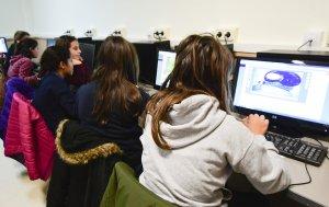 L'ús i aprenentatge de les noves tecnologies com a mètode pedagògic.