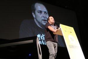 En David Fernández en un moment de l'acte