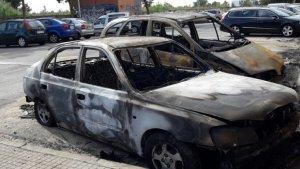 Imatge del cotxe cremat d'Eduardo Navas, president de l'AV Primer de Maig de Reus.