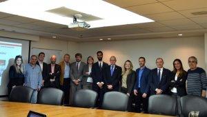 El president cambraReus amb altres responsables.