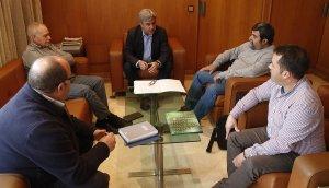 La reunió de representants del sindicat Unió de Pagesos (UP) amb el subdelegat del govern espanyol a Tarragona, Jordi Sierra.