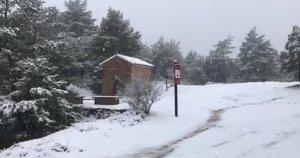 Neu a l'ermita de Sant Antoni, a Prades.