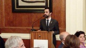 El president del Parlament de Catalunya, Roger Torrent, pronuncia el seu discurs al Círcol de Reus