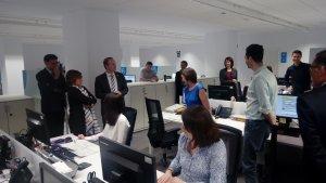 Els responsables de l'ATC han visitat l'oficina de Reus abans que arrenqui la campanya d'ajut a la declaració de la renda