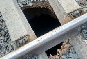 La via afectada per aquest esvoranc a l'estació de tren de Reus és la 7.