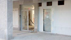 Els Mossos d'Esquadra han actuat en aquest edifici del carrer de Pau Gargallo