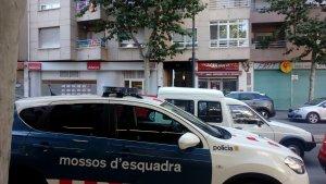 L'operatiu s'ha desplegat, inicialment, al número 8 de l'avinguda de Pere el Cerimoniós