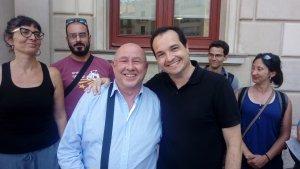 Miquel Reverte i Xavier Angelergues escenifiquen el relleu al Grup Municipal