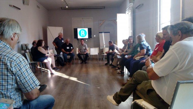 La seu d'Òmnium ha acollit la primera reunió de les primàries republicanes de Reus