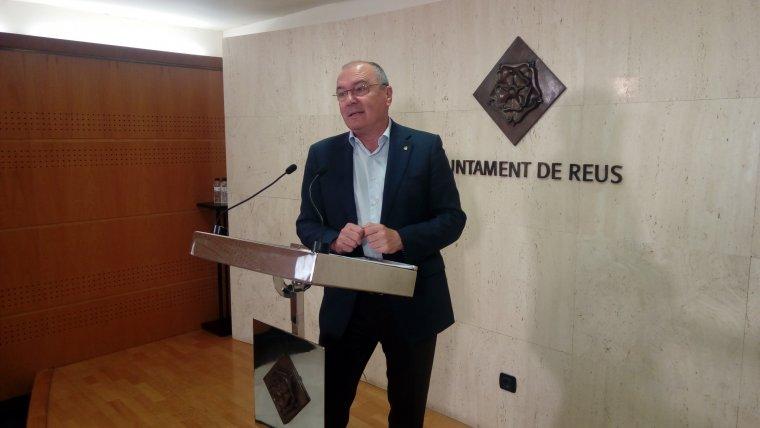 L'alcalde de Reus, Carles Pellicer, durant el balanç dels 'Dilluns amb l'alcalde'