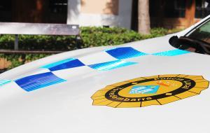 Els agents van detenir la dona en tenir un requeriment judicial