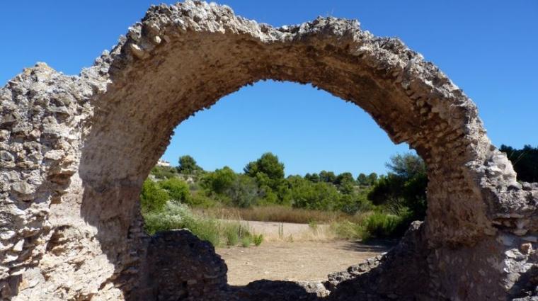 Una de les restes arqueològiques de la Vil·la Romana dels Munts