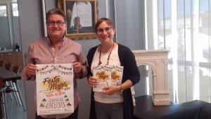 Pere Virgili i Isabel Mondéjar, amb el cartell de la Festa Major 2017