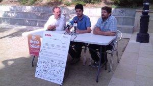Golaracena, Molinera i Franquès han comparegut amb una moció proreferèndum signada per desenes de ciutadans
