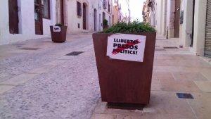 L'empaperada és molt visible al carrer de Martí d'Ardenya d'Altafulla