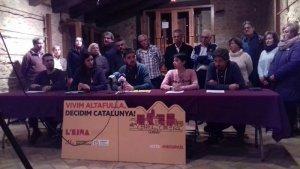 L'EINA ha descartat la moció de censura envoltada de més d'una desena de militants