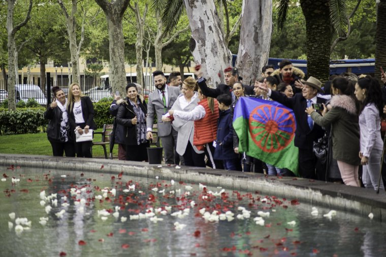 La Cerimònia del Riu recorda els avantpassats del poble gitano.