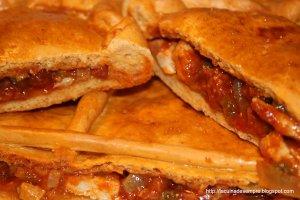Empanada gallega de llom i xoriço