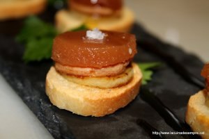 Pintxo de foie amb poma i codony