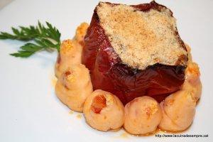 Pebrot vermell farcit de carn i arròs
