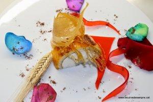 Braç de gitano amb vel de rosa i cruixent de sucre
